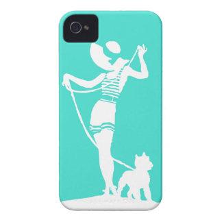 A senhora e o cão de turquesa mostram em silhueta capas para iPhone 4 Case-Mate