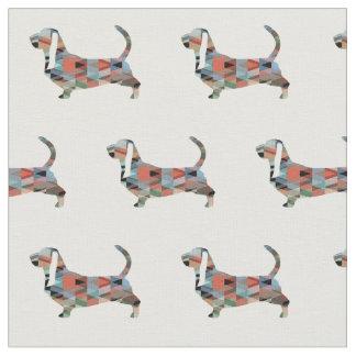 A silhueta de Basset Hound telhou o tecido