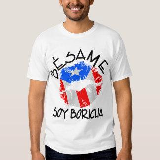 A soja Boricua de Besame beija-me que eu sou Tshirts
