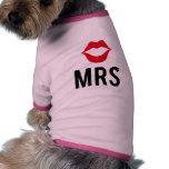 A Sra. texto com lábios vermelhos, para o t-shirt