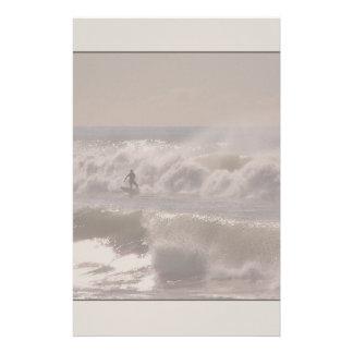 A tempestade acena artigos de papelaria do