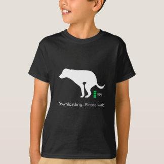 A transferência engraçada do cão, espera por favor camiseta