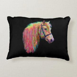 A vaca e o pônei das montanhas do arco-íris, almofada decorativa
