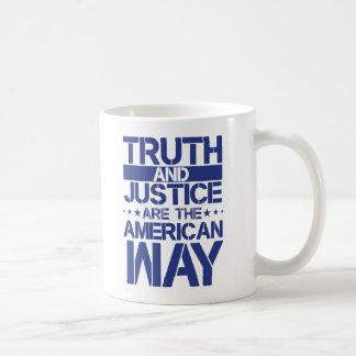 A verdade e justiça são a caneca americana da