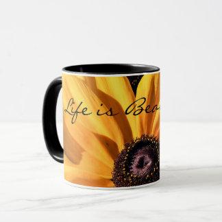 A vida é caneca de café bonita de Susan de olhos