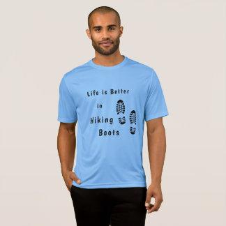A vida é melhor em caminhar botas com camisa dos