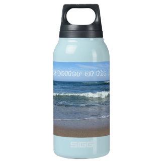 A vida é melhor na praia garrafa de água térmica