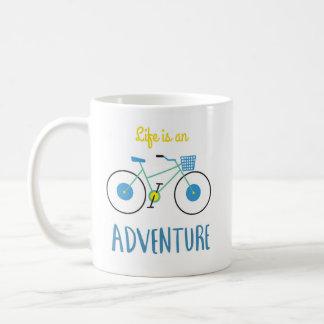A vida é uma caneca de café da aventura