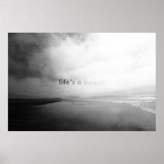 A vida é uma praia - foto tipográfica preto e pôster