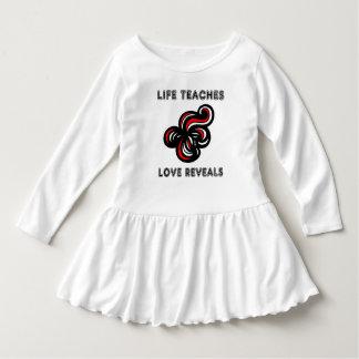 """A """"vida ensina, amor revela"""" o vestido do plissado"""