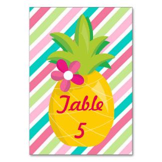Abacaxi bonito em listras cartão