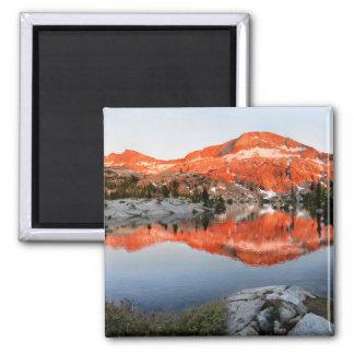 Abaixe o por do sol do lago Ottoway - Yosemite Imã
