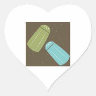 Abanadores de sal e de pimenta adesivo de coração