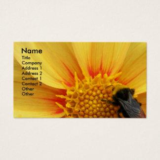 Abelha de Buzzy floral Cartão De Visitas