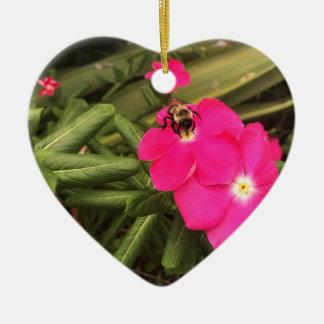 abelha ornamento de cerâmica coração
