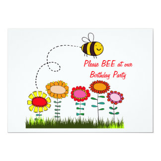 Abelha que zumbe uma festa de aniversário do convite personalizados