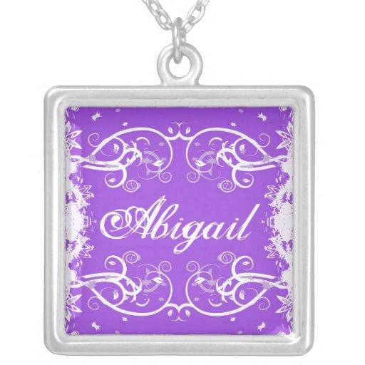 """Abigail"" no flourish roxo roda colar"