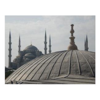 Abóbadas e minaretes cartão postal