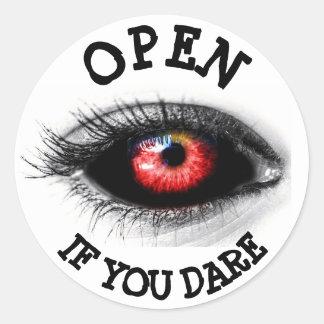 Abra se você ousam, etiqueta assustador do globo