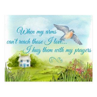 Abraçando o com meu cartão das orações