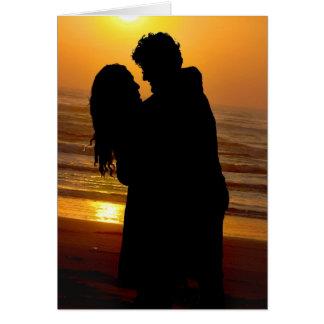 abraço do casal da praia cartoes