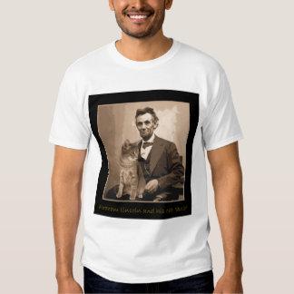 """Abraham Lincoln e """"Dixie"""" seu gato T-shirt"""