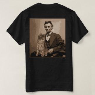 """Abraham Lincoln e seu gato """"Dixie"""". Camisetas"""