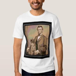 """Abraham Lincoln e seu gato """"Dixie """" Tshirt"""