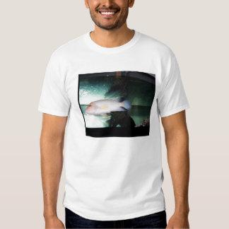 abundância dos peixes no mar tshirt
