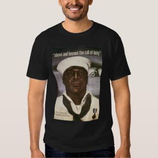 Acima e além do call of duty camisetas