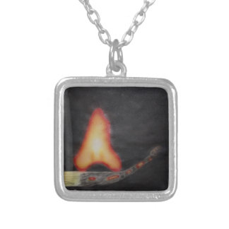 acionador de partida de fogo colar banhado a prata