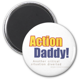 ActionDaddy!: Uma outra situação crítica desviada Ímã Redondo 5.08cm