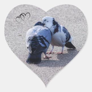 Adesivo Coração Duas pombas