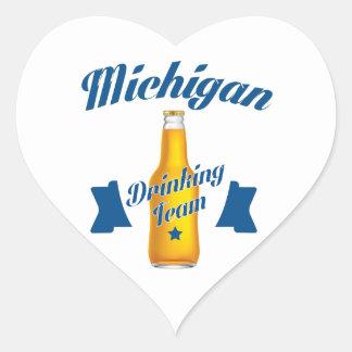 Adesivo Coração Equipe do bebendo de Michigan