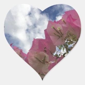 Adesivo Coração flores cor-de-rosa contra um céu azul