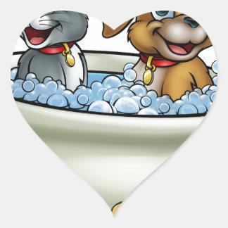 Adesivo Coração Gato e cão dos desenhos animados no banho