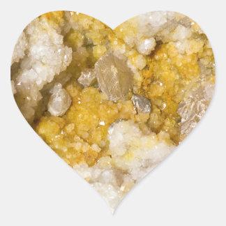 Adesivo Coração Geode meio com os cristais brancos e amarelos