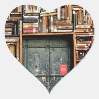 Adesivo Coração Livros e livros