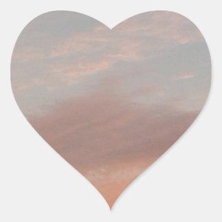 Adesivo Coração Nuvens estranhas 2