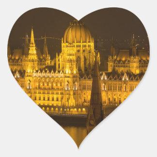Adesivo Coração O parlamento húngaro Budapest em a noite
