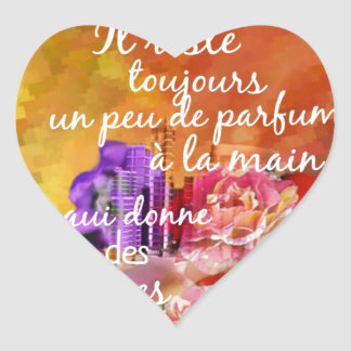 Adesivo Coração O perfume dos rosas ainda permanece na mão