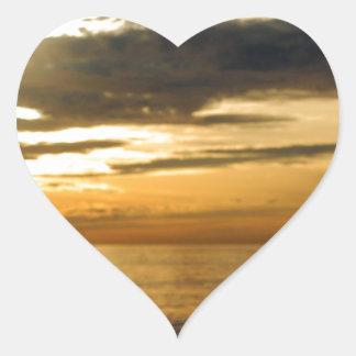 Adesivo Coração por do sol pacífico dourado