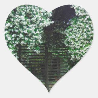Adesivo Coração Porta coberta no jasmim