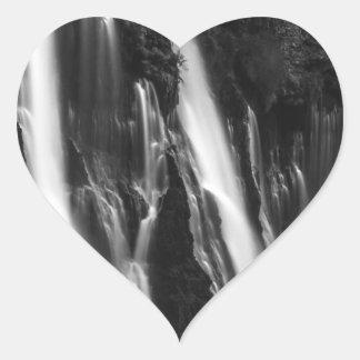 Adesivo Coração Quedas macias e lisas de Burney