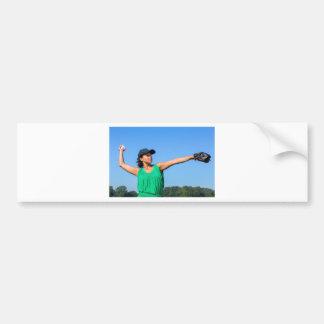 Adesivo De Para-choque Mulher com da luva e do boné basebol de jogo fora