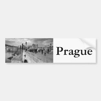 Adesivo De Para-choque na ponte de Charles sob um céu tormentoso em Praga