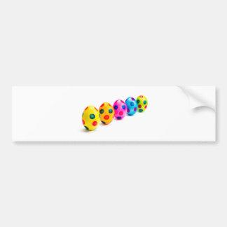 Adesivo De Para-choque Ovos da páscoa pintados na fileira no fundo branco