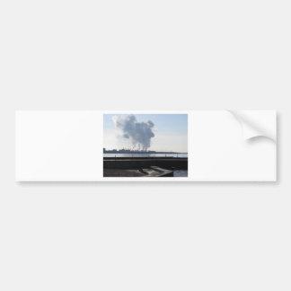Adesivo De Para-choque Paisagem industrial ao longo da costa