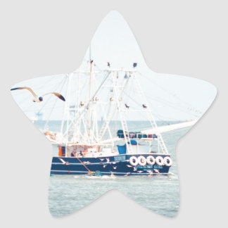 Adesivo Estrela Barco azul do camarão no oceano