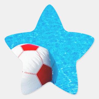 Adesivo Estrela Bola de praia que flutua na água na piscina